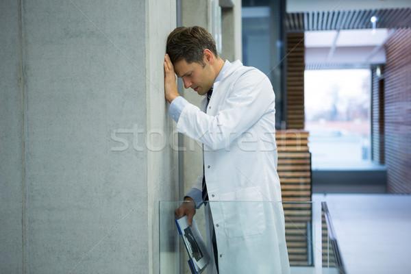 мужской доктор стены коридор больницу Сток-фото © wavebreak_media