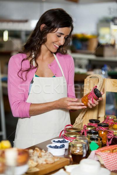 Glimlachend personeel jar counter markt business Stockfoto © wavebreak_media