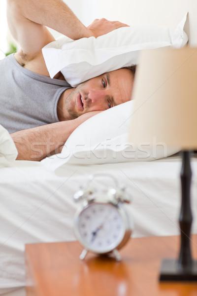 Uomo up letto casa camera da letto maschio Foto d'archivio © wavebreak_media
