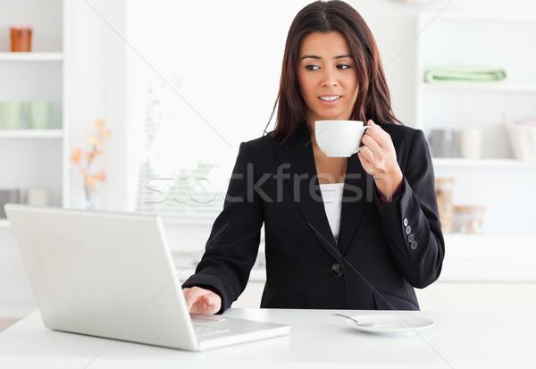 Сток-фото: великолепный · женщину · костюм · Кубок · кофе
