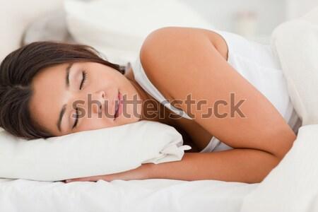 Tranquilo mujer dormir dormitorio cara pelo Foto stock © wavebreak_media