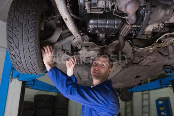 Meccanico auto lavoro auto ritratto maschio industria Foto d'archivio © wavebreak_media