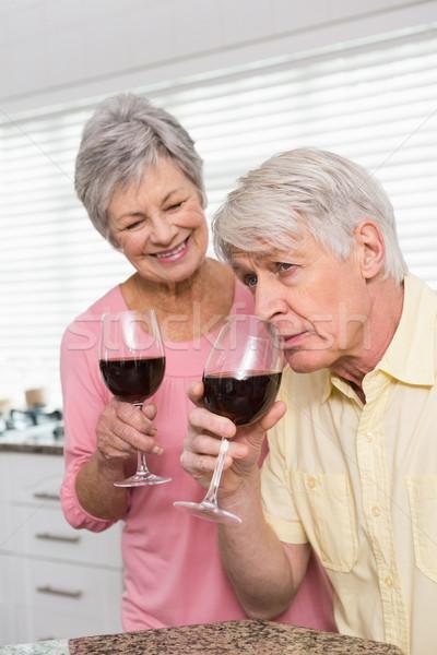 Stock fotó: Idős · pár · iszik · vörösbor · otthon · konyha · nő