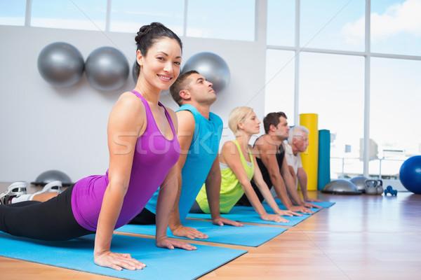 Pessoas cobra pose fitness estúdio retrato Foto stock © wavebreak_media