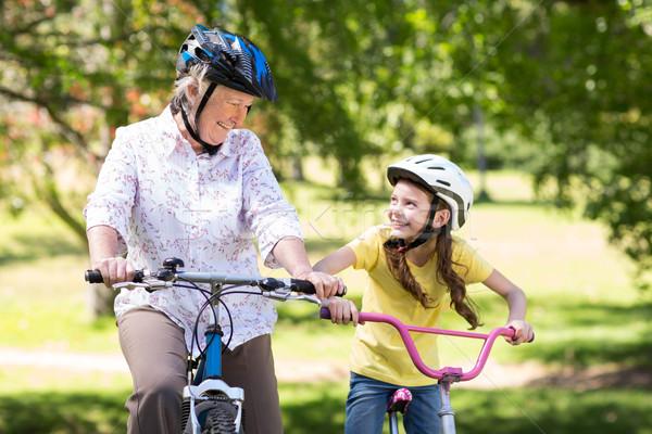 Gelukkig grootmoeder kleindochter fiets natuur Stockfoto © wavebreak_media