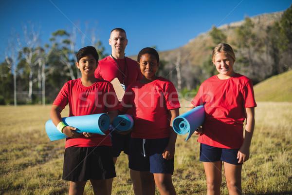 Edző gyerekek áll együtt csizma tábor Stock fotó © wavebreak_media