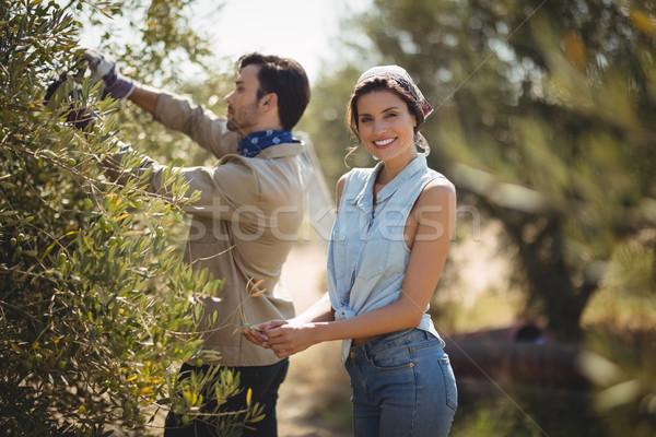 Gülen kız arkadaş erkek arkadaş zeytin çiftlik portre Stok fotoğraf © wavebreak_media