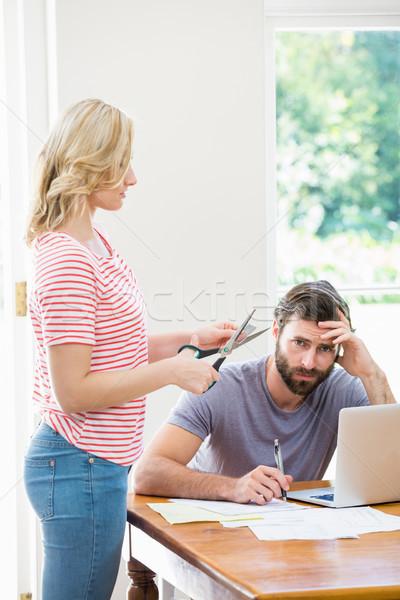 Mulher cartão de crédito tenso homem Foto stock © wavebreak_media