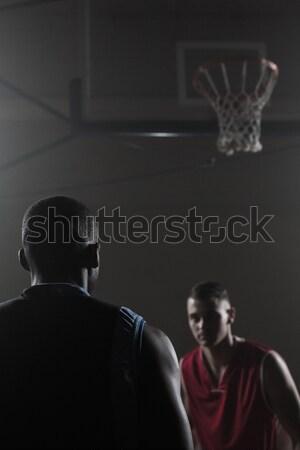 Yoğunlaşmak oynama spor salonu basketbol oyuncular Stok fotoğraf © wavebreak_media