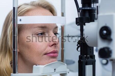 Mężczyzna pacjenta rogówka lampy kliniki Zdjęcia stock © wavebreak_media