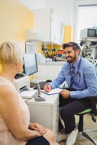 Patiënt raadpleging arts ziekenhuis computer vrouw Stockfoto © wavebreak_media