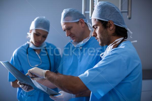 Foto stock: Cirujanos · Xray · hospital · femenino · profesional