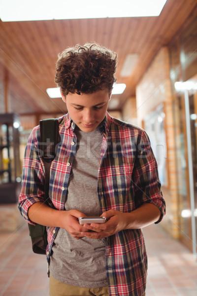 Uczeń telefonu komórkowego korytarz szkoły Internetu internetowych Zdjęcia stock © wavebreak_media