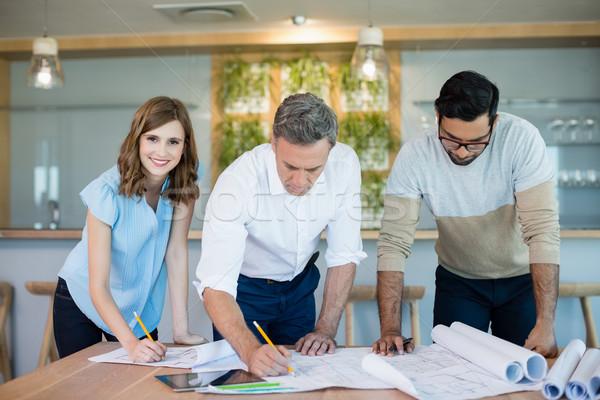 Travail plan salle de conférence bureau homme heureux Photo stock © wavebreak_media