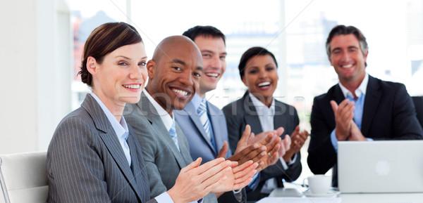 Retrato negocios internacionales equipo reunión ordenador Foto stock © wavebreak_media