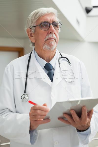 Stok fotoğraf: Doktor · hasta · dosya · hastane · koridor