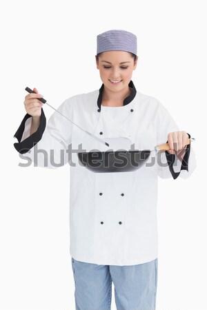 Portré szakács serpenyő boldog női fehér Stock fotó © wavebreak_media