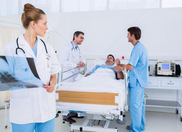 Doktor xray arkadaşları hasta hastane Stok fotoğraf © wavebreak_media