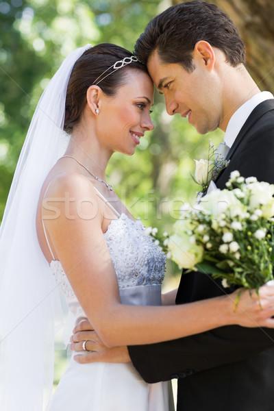 Zijaanzicht liefhebbend bruid bruidegom tuin hoofd Stockfoto © wavebreak_media