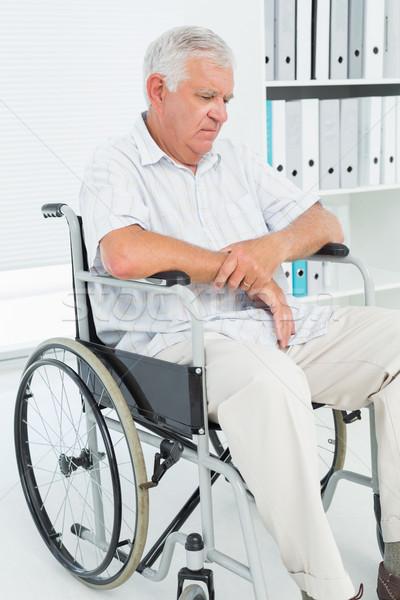 Сток-фото: печально · старший · человека · сидят · коляске · медицинской