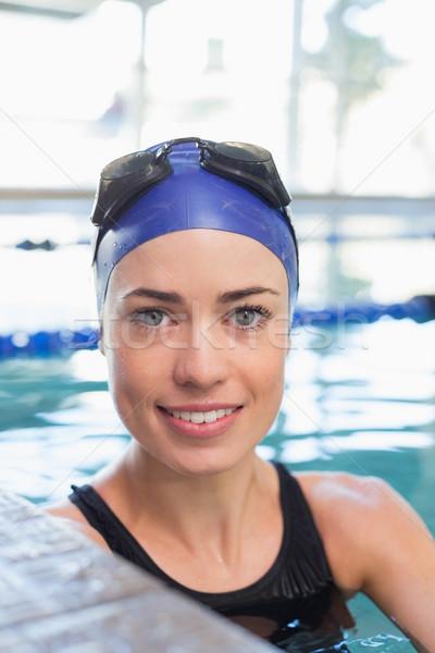 Montare nuotatore piscina sorridere fotocamera tempo libero Foto d'archivio © wavebreak_media