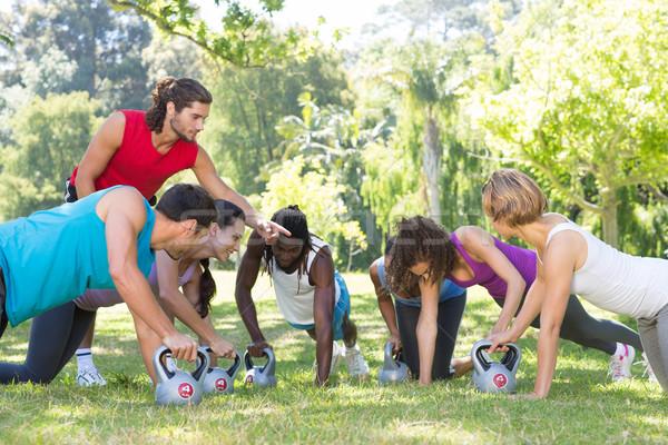 фитнес группа парка тренер женщину Сток-фото © wavebreak_media