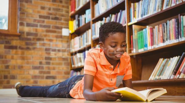 Stockfoto: Cute · jongen · lezing · boek · bibliotheek · weinig