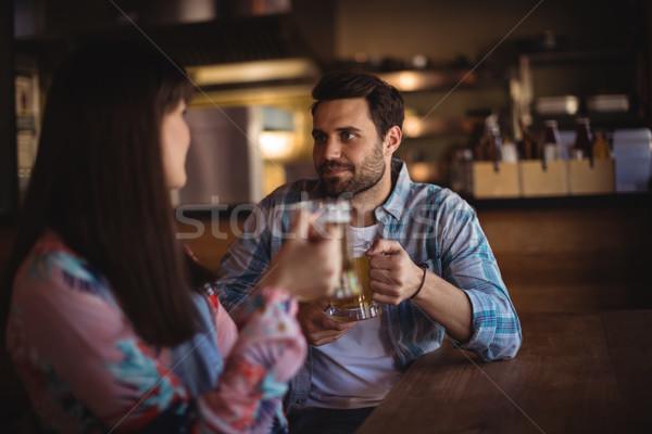 Casal cerveja contrariar bar mulher amor Foto stock © wavebreak_media