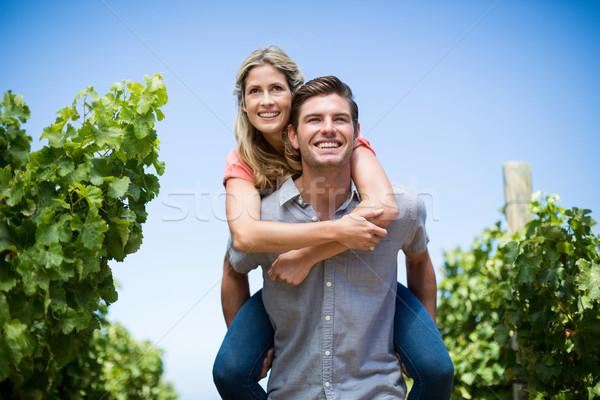 Winnicy Błękitne niebo szczęśliwy uśmiech miłości Zdjęcia stock © wavebreak_media