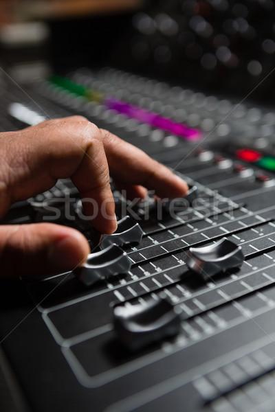 Strony mężczyzna audio inżynier dźwięku miksera Zdjęcia stock © wavebreak_media
