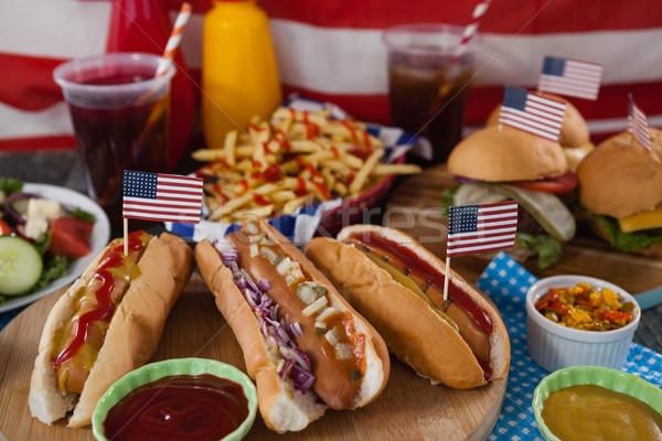 Ital harapnivalók fa asztal negyedike étel hús Stock fotó © wavebreak_media