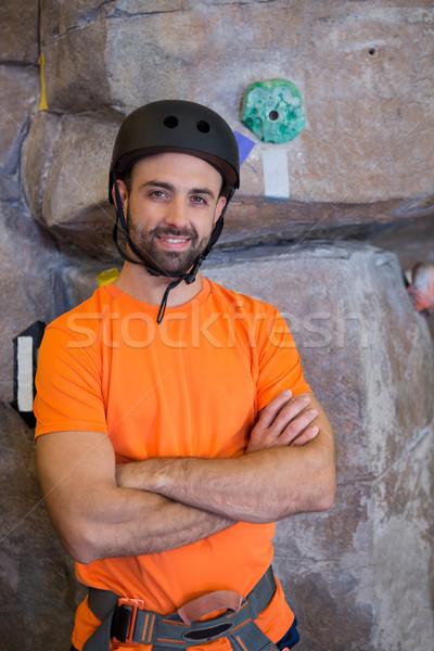 Edző áll keresztbe tett kar fitnessz stúdió portré Stock fotó © wavebreak_media