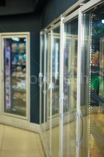 холодильник супермаркета мнение продовольствие торговых клиентов Сток-фото © wavebreak_media