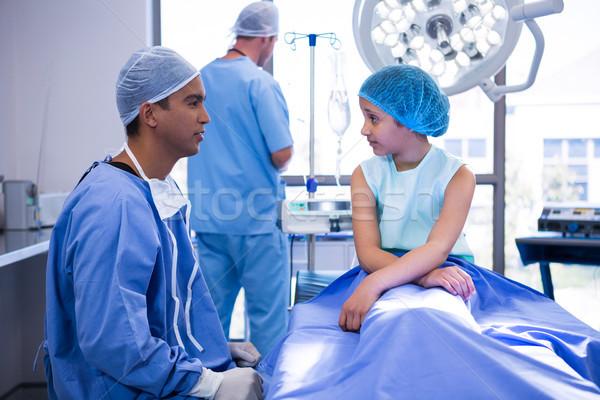 Médico paciente operación habitación hospital nino Foto stock © wavebreak_media