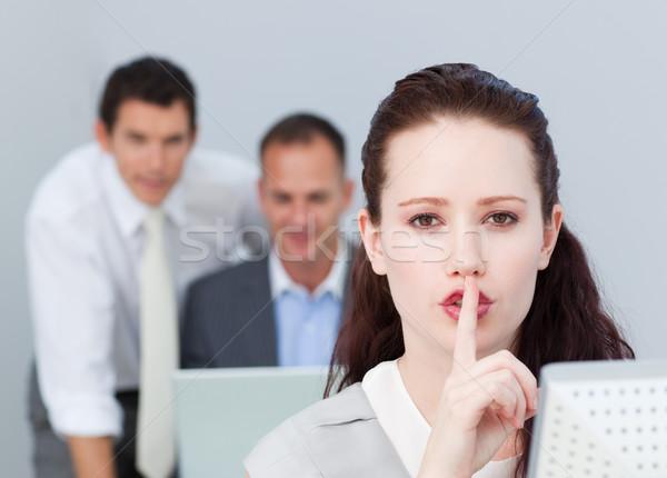 Retrato mujer de negocios silencio oficina jóvenes Foto stock © wavebreak_media