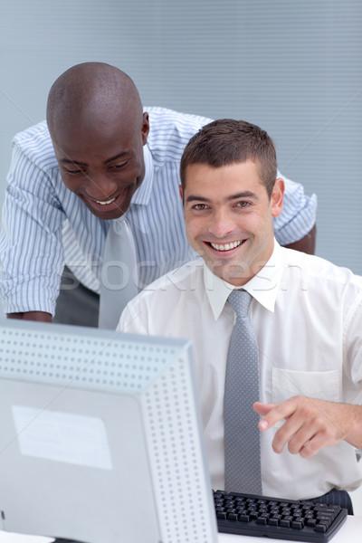 Kaukázusi üzletemberek együtt dolgozni iroda megbeszélés munka Stock fotó © wavebreak_media