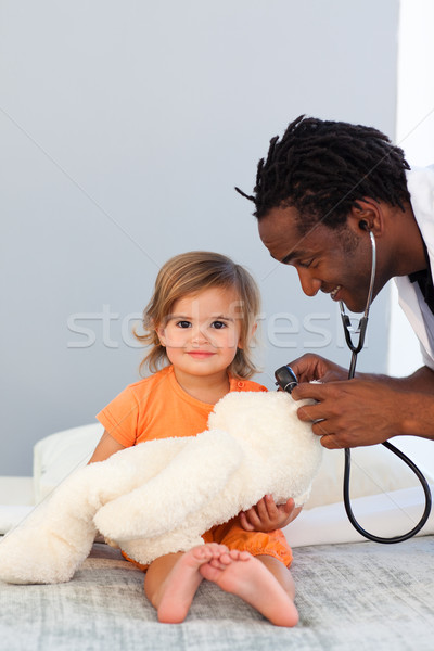 Kinderarzt Prüfungen kleines Mädchen Stethoskop Krankenhaus Gesicht Stock foto © wavebreak_media