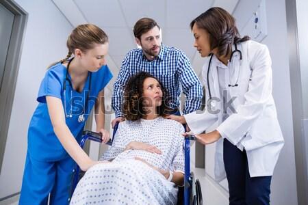 Tıbbi takım hasta yoğun bakım Stok fotoğraf © wavebreak_media