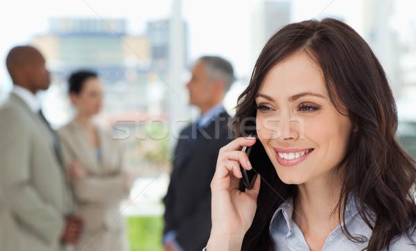 Photo stock: Jeunes · femme · d'affaires · parler · téléphone · portable · sourire