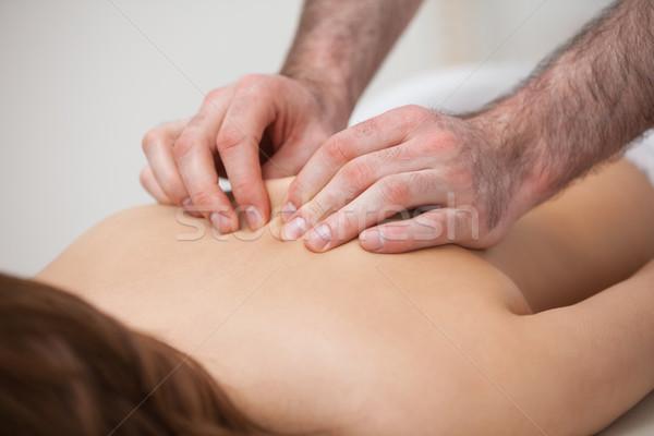 Quiroprático paciente quarto mão homem Foto stock © wavebreak_media