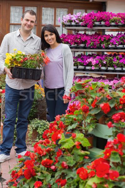 счастливым пару лоток растений саду Сток-фото © wavebreak_media