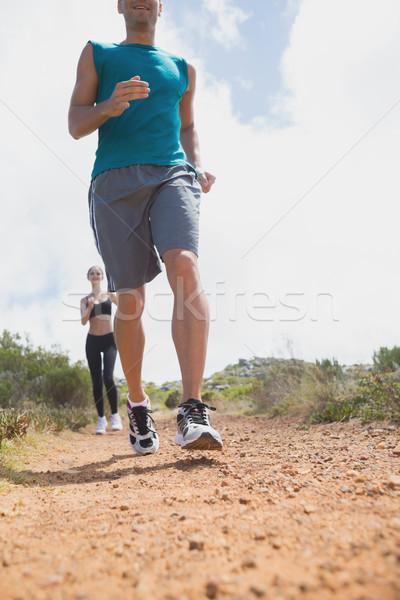 Paar lopen platteland weg Stockfoto © wavebreak_media