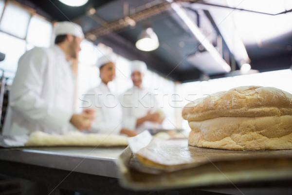 新鮮な パン 後ろ キッチン ベーカリー 男 ストックフォト © wavebreak_media