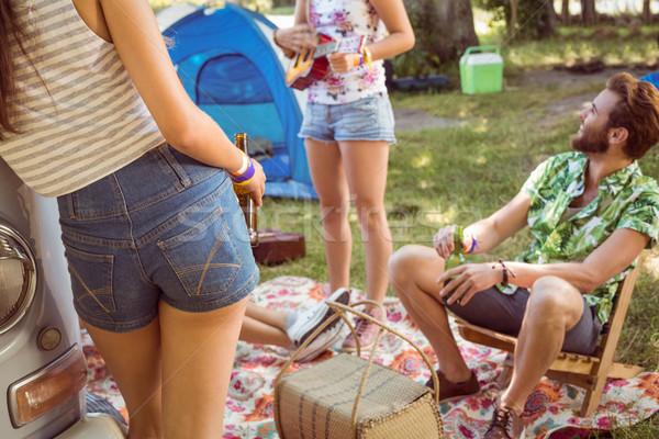 Hipszterek szórakozás táborhely zenei fesztivál autó férfi Stock fotó © wavebreak_media