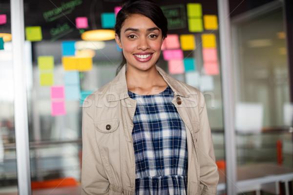 Portret glimlachend vrouwelijke uitvoerende kantoor laptop Stockfoto © wavebreak_media