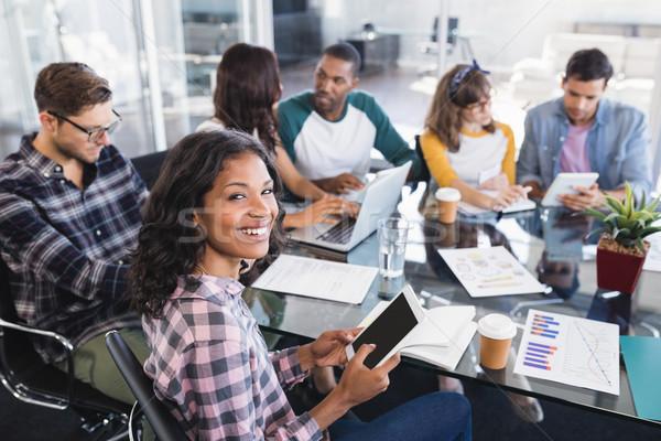 Portré üzletasszony ül csapat dolgozik iroda Stock fotó © wavebreak_media