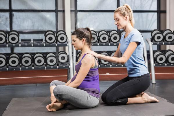 Uśmiechnięty trener kobieta w ciąży siłowni ciało Zdjęcia stock © wavebreak_media