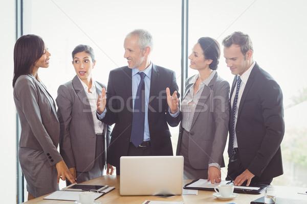 конференц-зал заседание бизнеса служба ноутбук Сток-фото © wavebreak_media