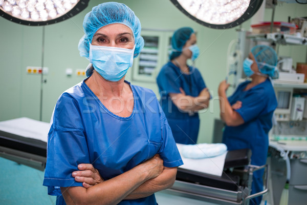 Portré sebész áll keresztbe tett kar operáció szoba Stock fotó © wavebreak_media