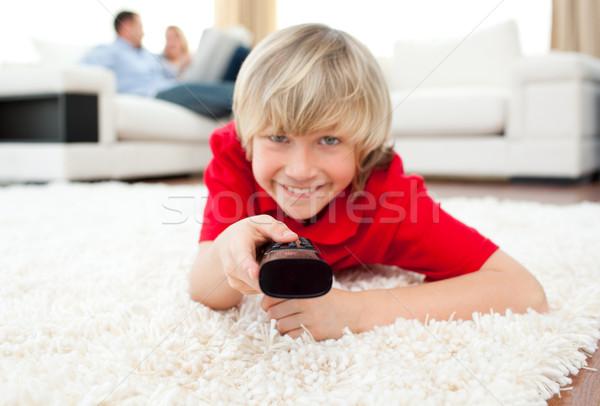Vidám fiú néz tv padló nappali Stock fotó © wavebreak_media